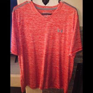 Men's UNDER ARMOUR V-Neck Heat Gear T-Shirt
